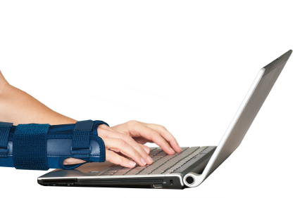 typing with a carpal tunnel syndrome brace
